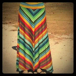Colorful maxi skirt. ☀️